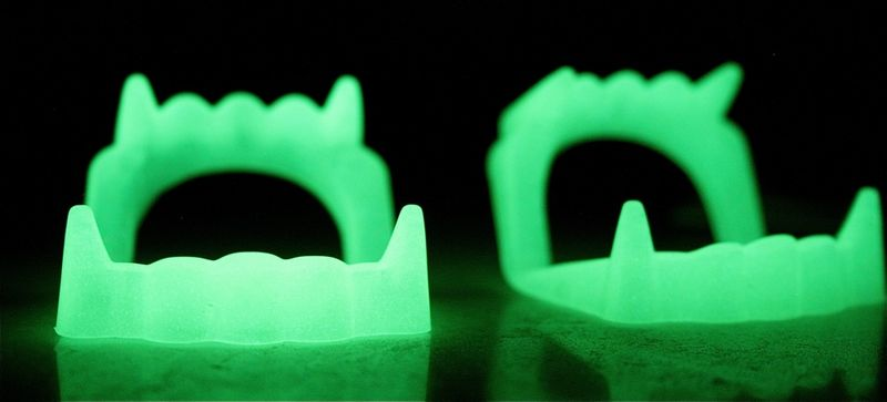Glowing teeth