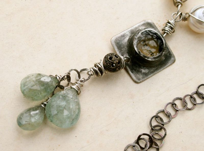 Listen necklace drop detail
