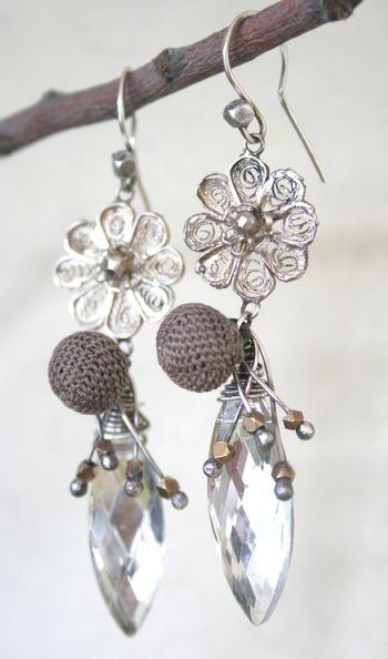 Winter blooms earrings