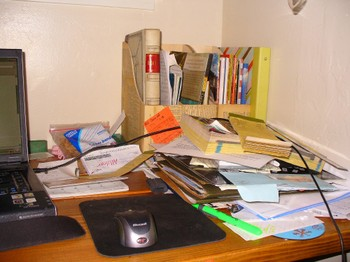 Desk_disaster_2